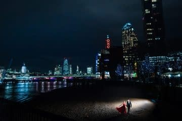 London Pre-Wedding dramatic shot at Oxo Tower